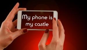 smartphone-768352_640